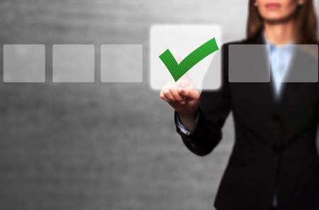simbolo de la mujer: Bot�n Tocar Empresaria y marcando la casilla de verificaci�n. Gris - Foto de archivo