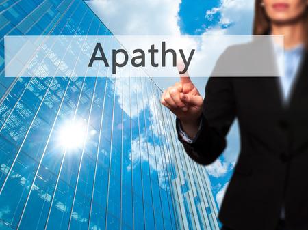 molesto: La apatía - aislado que toca a mano femenina o señalando botón. Negocios y concepto de la tecnología futura. Foto de stock