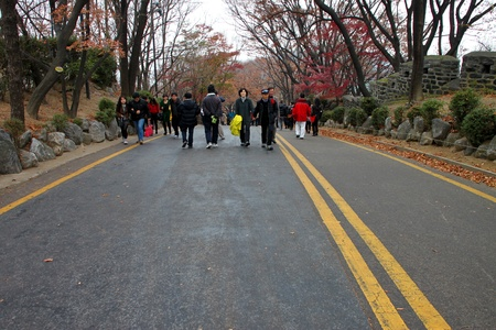 CENTRAL SEOUL, KOREA - NOVEMBER 27 : The unidentified tourists are enjoy traveling to high mountain on November 27, 2011 at Namsan Seoul Tower, Central Seoul, Korea. Stock Photo - 11414106
