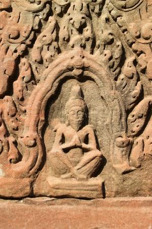 handscraft: Carvings statue in ancient Khmer architecture, Prasat Praeh Khan Stock Photo