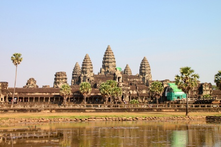 Vista frontal de Angkor Wat, Siem Riep, Rep�blica Khmer. photo