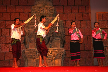 SIEMREAP, KHMER REPUBLIC - FEBRUARY 10 : The unidentified Khmer Dancers are performing on February 10, 2012 at Tonle Sap Restaurant, Siemreap, Khmer Republic.