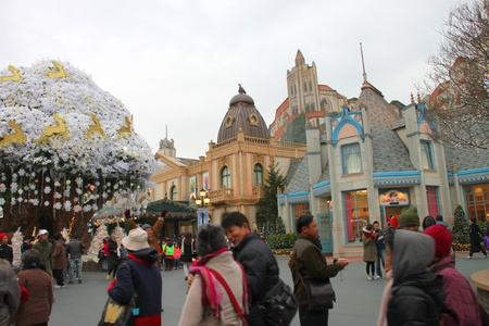EVERLAND, YONGIN, KOREA - NOVEMBER 26 : Unidentified tourists are travelling to Everland on November 26, 2011 at Everland, Yongin, Korea.