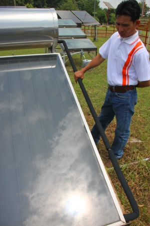 monocrystalline: MUANG, MAHASARAKHAM - SEPTEMBER 18 : Unidentified officer is learning in field alternative energy workshop trip on September 18, 2012 at Education and services center 3, Muang, Mahasarakham, Thailand. Editorial