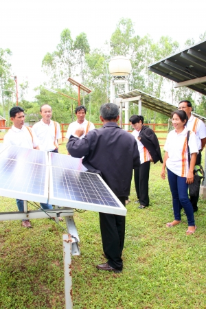 monocrystalline: MUANG, MAHASARAKHAM - SEPTEMBER 18 : Unidentified officers are learning in field alternative energy workshop trip on September 18, 2012 at Education and services center 3, Muang, Mahasarakham, Thailand.
