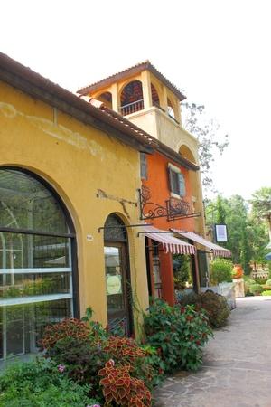 palio: Palio Khao Yai, new Italian style walking street, building, shopping and business center in Korat, Thailand.