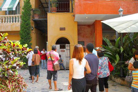 palio: PAK CHONG, KORAT - OCTOBER 14 : Unidentified tourists are enjoy shopping in October 14, 2012 at Palio Khao Yai, Pak Chong, Korat, Thailand. Palio is a new Italian style walking street, building decoration, shopping and business center in Khao Yai, Korat,  Editorial