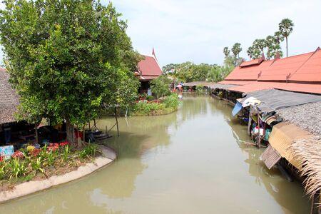 AYUTTHAYA, THAILAND - JANUARY 6 : Unidentified tourists are traveling to Ayothaya Floating Market on January 6, 2013 at Ayutthaya, Thailand. Stock Photo - 17262757