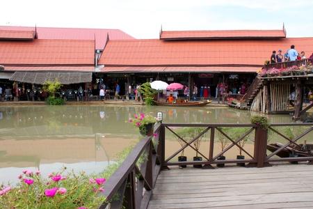 AYUTTHAYA, THAILAND - JANUARY 6 : Unidentified tourists are traveling to Ayothaya Floating Market on January 6, 2013 at Ayutthaya, Thailand. Stock Photo - 17356150