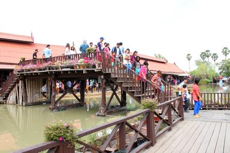 AYUTTHAYA, THAILAND - JANUARY 6 : Unidentified tourists are traveling to Ayothaya Floating Market on January 6, 2013 at Ayutthaya, Thailand. Stock Photo - 17356142