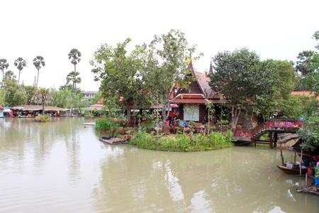ayothaya: Ayothaya Floating Market on January 6, 2013 at Ayutthaya, Thailand.