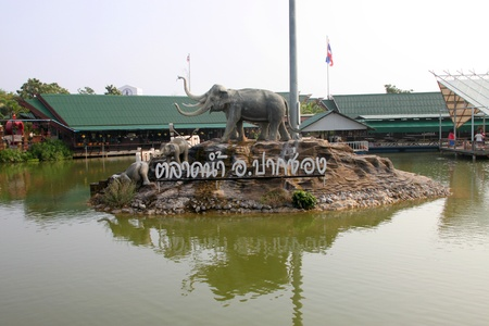 korat: Elephants statue on October 14, 2012 at Pak Chong Floating Market, Korat, Thailand.
