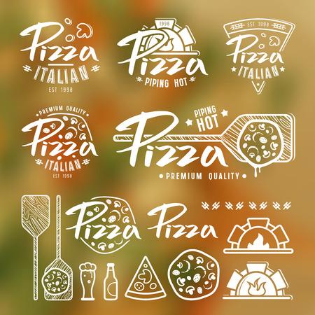 Set Pizzeria Etiketten, Abzeichen und Design-Elemente. Weißer Druck auf unscharfen Hintergrund