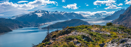 Panoramic view of Torres del Paine National Park, its forests, lagoon and glaciers at Autumn, Patagonia, Chile Banque d'images - 119148703