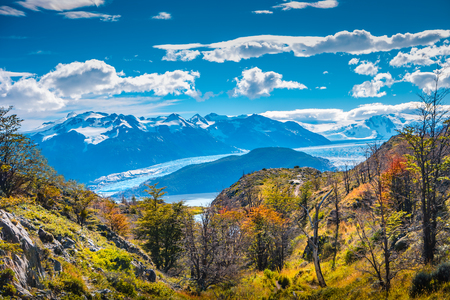 Panoramic view of Torres del Paine National Park, its lagoons and glaciers, Patagonia, Chile, sunny day, blue sky Banque d'images - 119148712