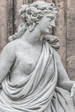 Statue of ancient sensual naked Renaissance Era woman in Potsdam, Germany Stockfoto