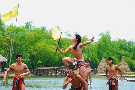 klong: AYUTHAYA, THAILAND  : Unidentified Thai dancers perform the Thai literature called Manora at Ayutthaya Klong Sa Bua & Water Theater in Ayuthaya, Thailand. Editorial