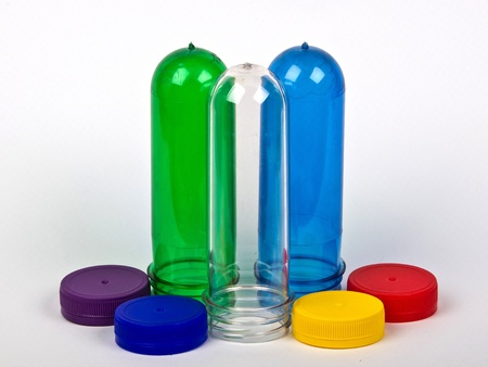 plastic caps and coloured preforms Standard-Bild