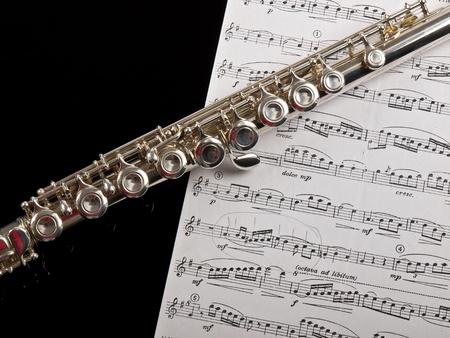 flauta: flauta y la hoja de notas Foto de archivo