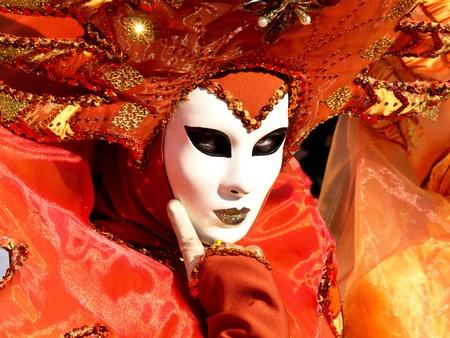 oranje masker op het carnaval in Venetië Stockfoto