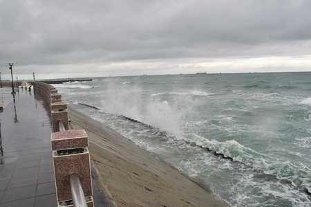 wavelet: waves splashing on shore