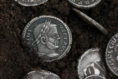 ローマのデナリウス、銀通貨 写真素材