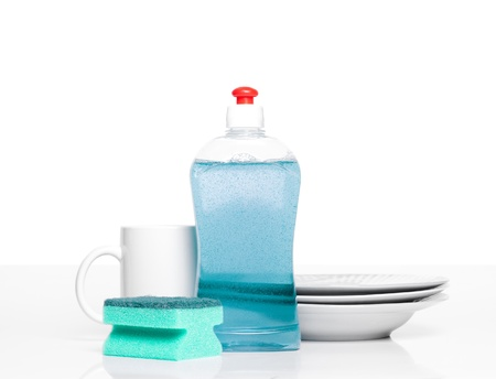 dishwashing: dishwashing liquid and clean plates