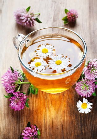 tannin: hot herbal tea with clover and chamomile Stock Photo