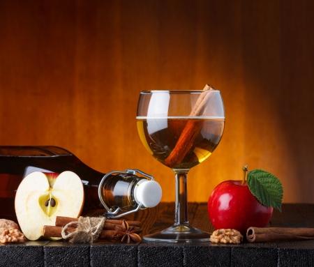 apple cinnamon: sidro di mele natura morta Archivio Fotografico