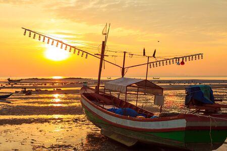 ebb: Zachód słońca w dziedzinie Letnich  Zdjęcie Seryjne