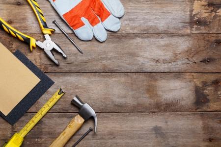 herramientas de construccion: Instrumentos de mesa de madera Foto de archivo