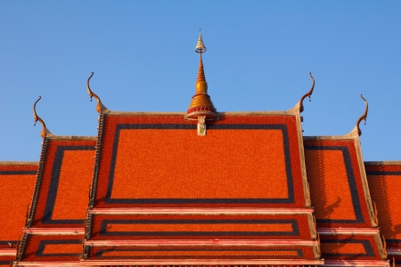 buddhist temple roof: Detail of a traditional buddhist temple roof