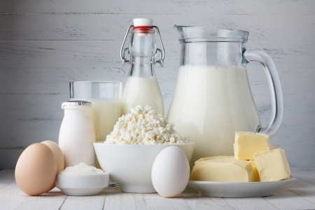 Produkty mleczne na drewnianym stole Zdjęcie Seryjne