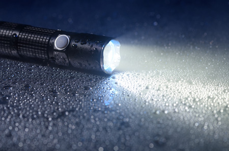 waterproof: Tactical waterproof flashlight