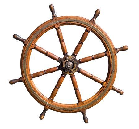 Oude doorgewinterde boot stuurwiel geïsoleerd op een witte achtergrond. Handig voor leiderschap en behendig management concepten.