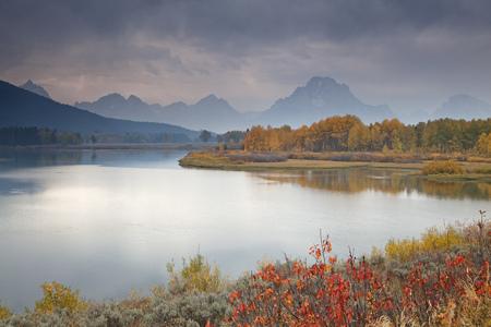 oxbow: Rural landscape reflected in still river LANG_EVOIMAGES