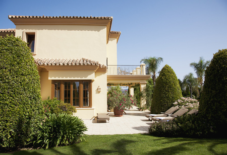 Spanish Patio: Luxury Spanish Villa And Patio