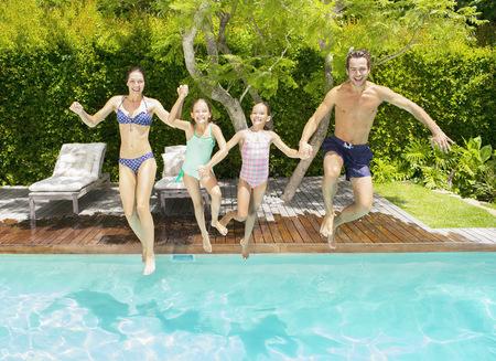 natación sincronizada: Familia, saltar, natación, piscina