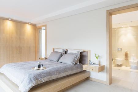 ensuite: Luxury bedroom and ensuite bathroom