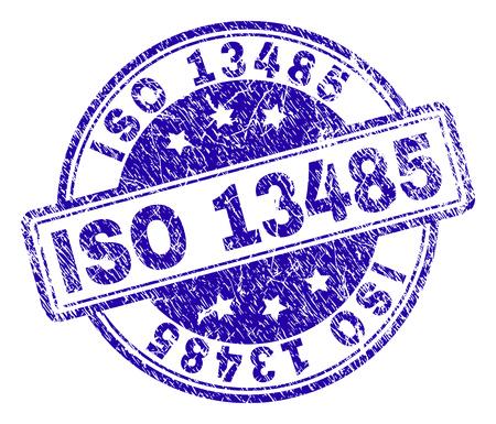 ISO 13485 Stempelsiegelabdruck mit Notstruktur. Entworfen mit abgerundeten Rechtecken und Kreisen. Blauer Vektorgummidruck von ISO 13485-Text mit unreiner Textur. Vektorgrafik