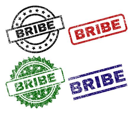 Bestechung Siegeldrucke mit beschädigter Textur. Schwarze, grüne, rote, blaue Vektorgummidrucke des BRIBE-Titels mit zerkratzter Textur. Gummidichtungen mit runden, rechteckigen Rosettenformen. Standard-Bild - 106267191