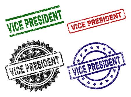 VICE PRESIDENT Siegeldrucke mit korrodierter Textur. Schwarze, grüne, rote, blaue Vektorgummidrucke von VICE PRESIDENT-Text mit zerkratztem Stil. Gummidichtungen mit runden, rechteckigen Medaillenformen. Vektorgrafik