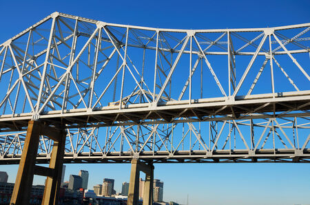 west river: Steel bridge cross Mississippi River from New Orleans to West Bank, Louisiana, USA