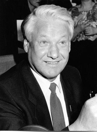 Londra - 27 aprile 1990 - Boris Yeltsin, Presidente della Russia, visite a promuovere il suo nuovo libro Editoriali
