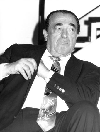 maxwell: London, England - April 17, 1991 - Robert Maxwell, Media tycoon, visits the Imperial War Museum