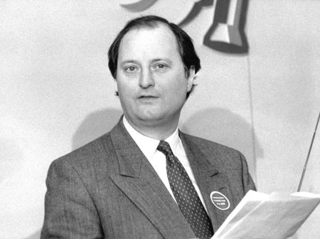 conservative: London, England - April 4, 1990, Richard Tracey, Conservative politician, speaks at a press conferece.
