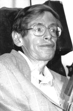stephen: Londra, Inghilterra - 2 luglio 1992 - professor Stephen Hawking, fisico britannico, tiene una conferenza stampa.