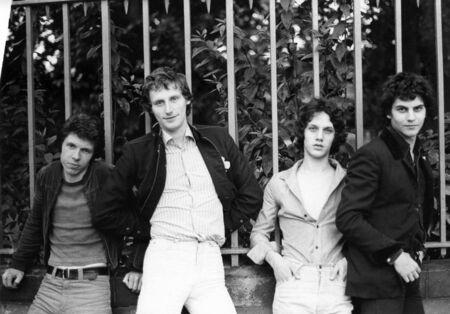 chris: Londres - el 20 de agosto de 1978 - The Boyfriends, grupo de pop brit�nico de poder, posan para la c�mara. L-R Chris Skornia, Pat Collier, Steve Bray, Mark Henry.