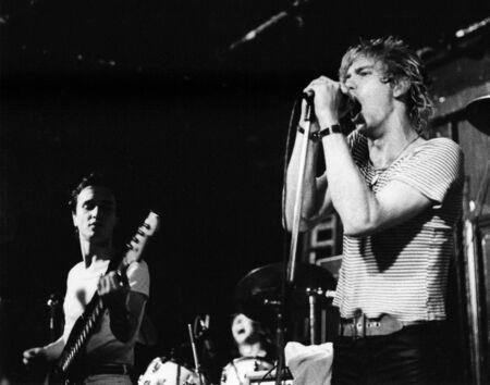 Londra - circa 1978 - The White Cats, gruppo pop britannico, eseguire dal vivo sul palco.  Editoriali