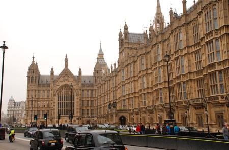 Londra, Inghilterra - 17 marzo 2011 - Vista esterna del Palazzo del Parlamento (Palazzo di Westminster).